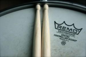 snare-head-sticks