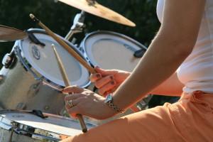female-drummer-on-stage